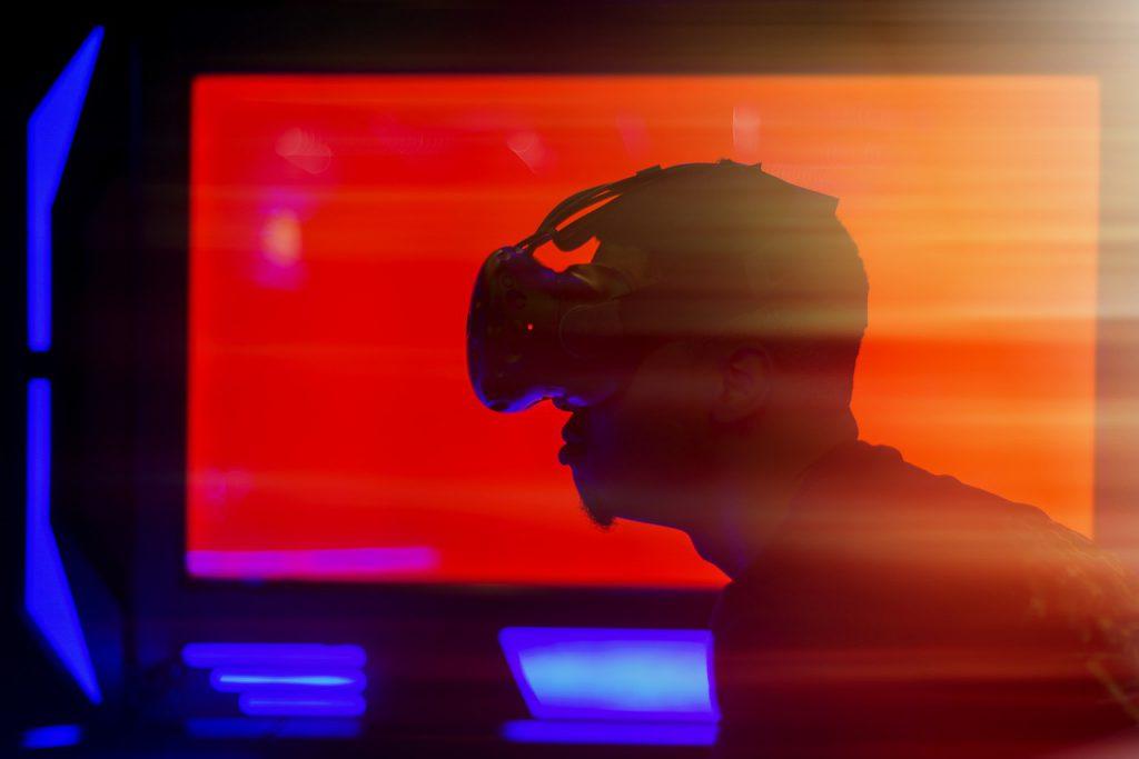 virtual reality, vr headset, vr-4995294.jpg